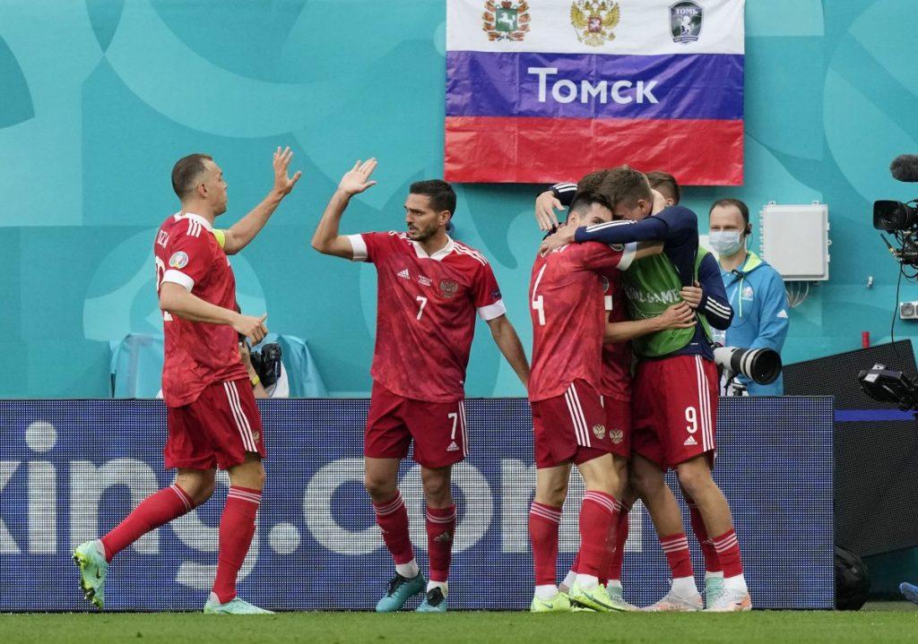 EURO 2020'de Rusya Finlandiya maçı 1-0