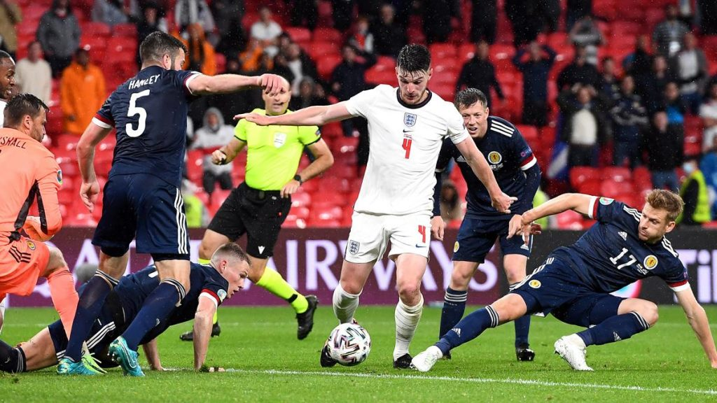 İngiltere'ye EURO 2020'de İskoçya Engeli